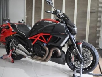 DIAVEL Red Carbon 2014 atpm