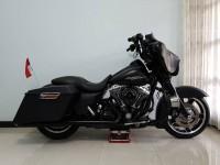 Harley Davidson Street Glide 2011 Colour