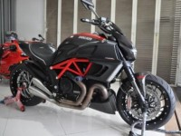 Ducati DIAVEL red carbon 2014