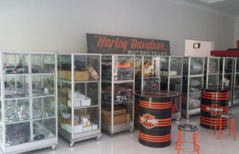 Accessories dan merchandise harley