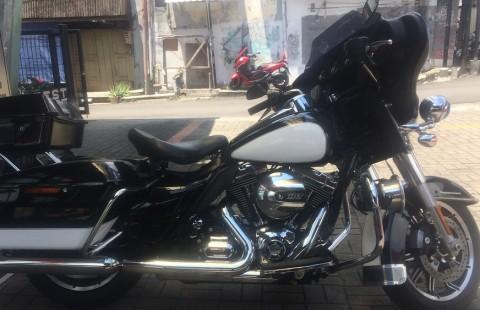 Harley Davidson FLHTP Electra Police Rus