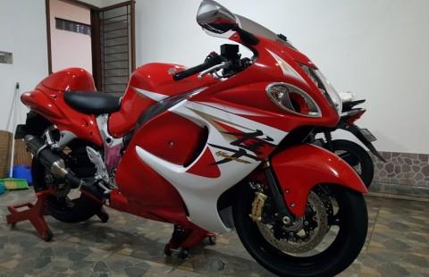 Suzuki Hayabusa Red White